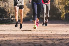 Por las bajas temperaturas adelantan los horarios de actividades recreativas