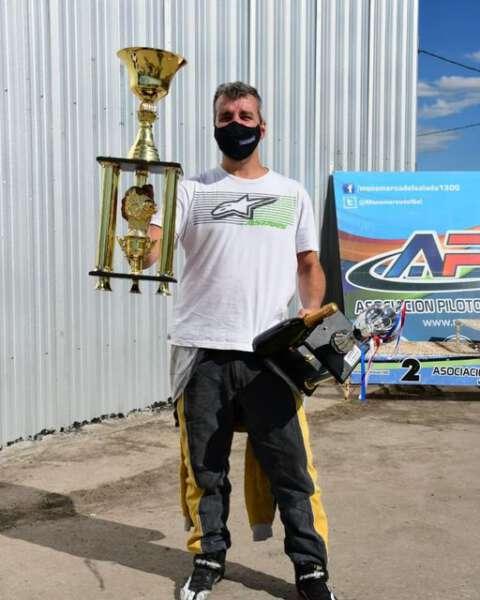 Monomarca: Etchegoyen se subió dos veces al podio