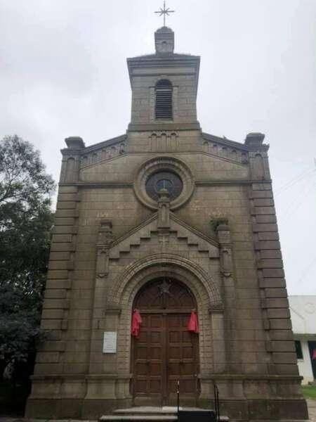 Pila: tras la aprobación de la Ley del Aborto cierran la Iglesia en señal de duelo