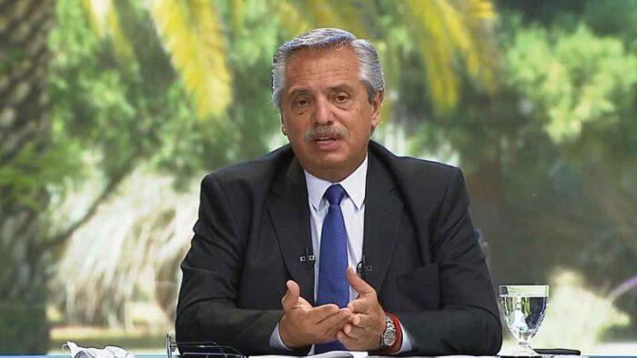 """Coronavirus: """"El riesgo de que todo vuelva a paralizarse existe"""", aseguró el presidente Alberto Fernández"""